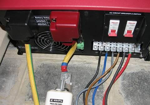 Обзор  Q-Power QPV4048L: качественный монтаж инвертора - это важно